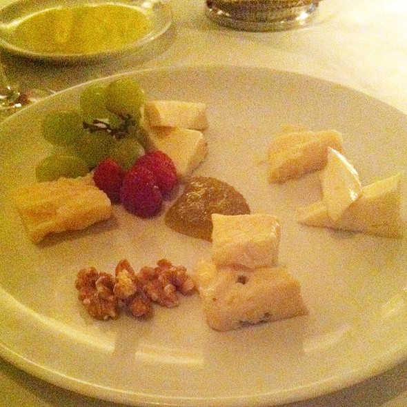 Five Cheeses - The Leopard at des Artistes, New York, NY