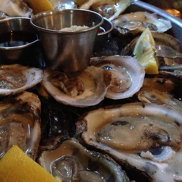 East Coast Oysters - The Hamilton Inn, Jersey City, NJ