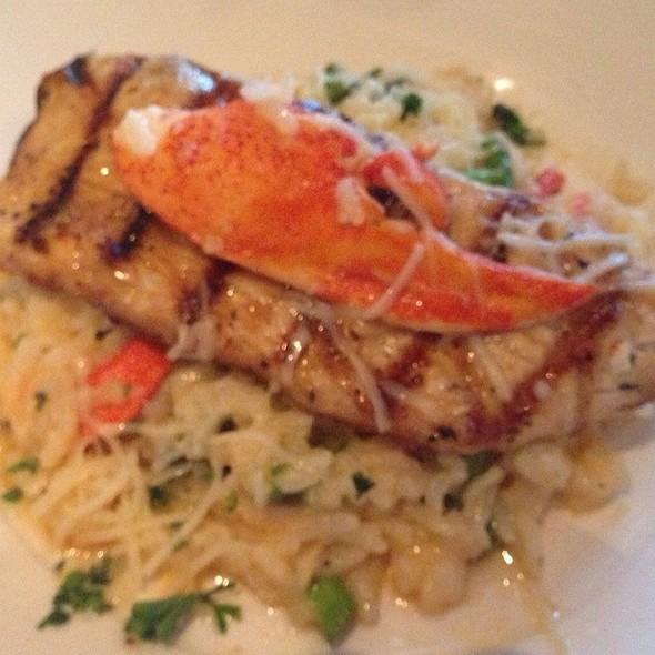 Mahi Mahi - Joe Theismann's Restaurant, Alexandria, VA