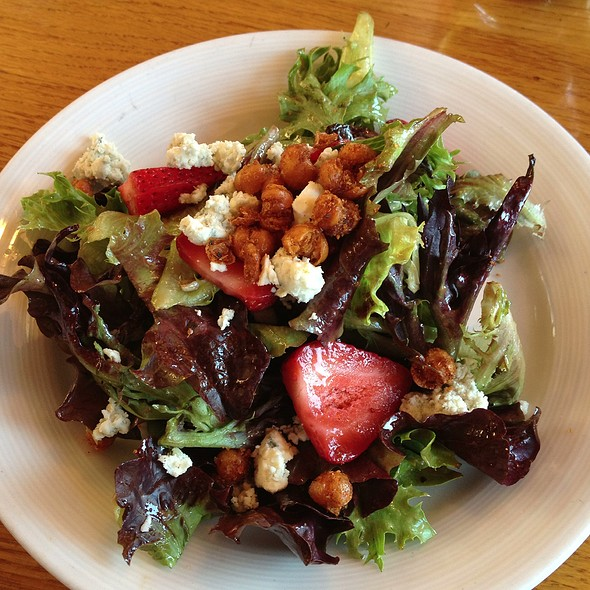 Strawberry And Blue Cheese Salad - Ray's Cafe, Seattle, WA