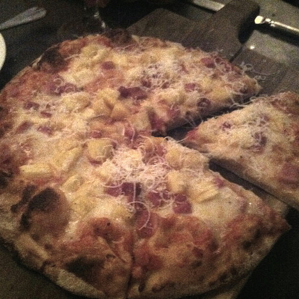 Hawaiian pizza - Kaiser Grille - Palm Springs, Palm Springs, CA