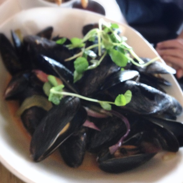 Mussels - Against the Grain Urban Tavern-Corus Quay, Toronto, ON