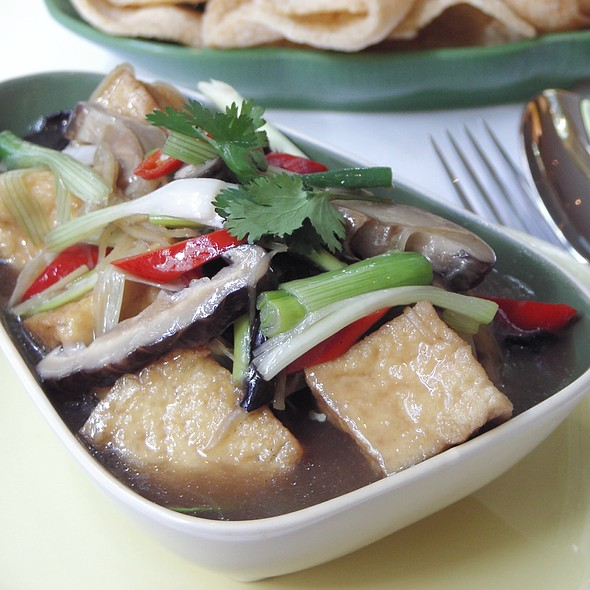 Tauhu Hotpot - Sri Suwoon Thai Restaurant, London