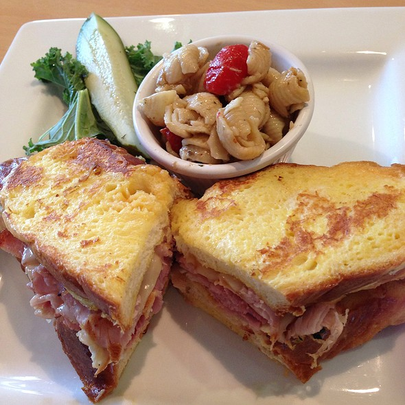 Monte Cristo Sandwich - Croissants Bistro and Bakery, Myrtle Beach, SC