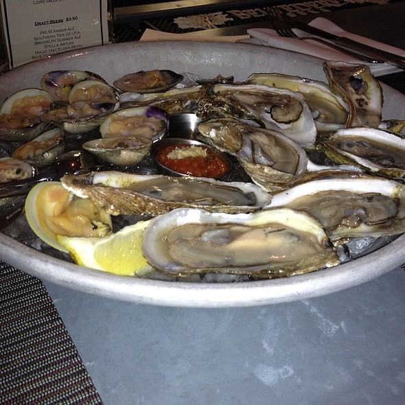 Clams and Oysters - Liv's Oyster Bar, Old Saybrook, CT