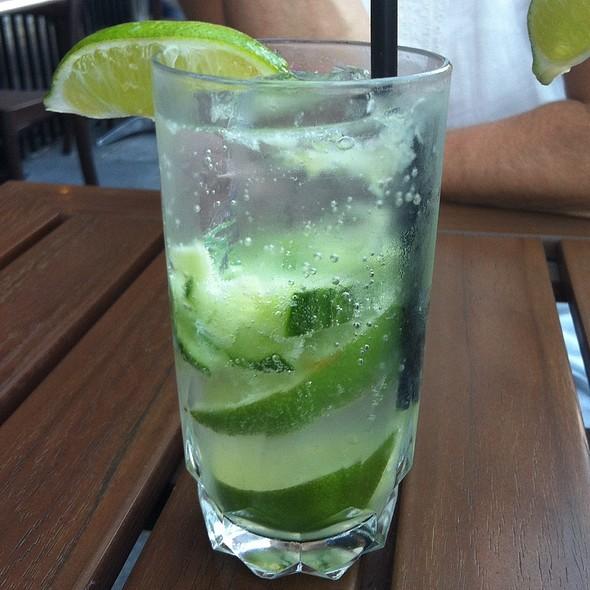 Gin & Concombre - Taverne Gaspar, Montréal, QC