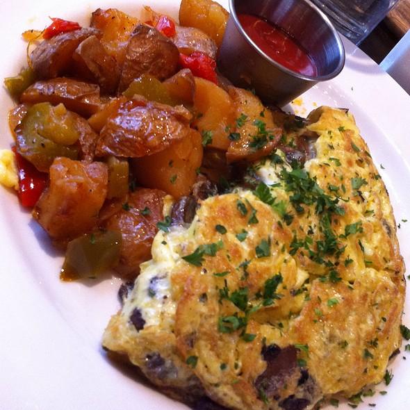 Black Truffles And Mushroom Omelette - Stone Street Tavern, New York, NY