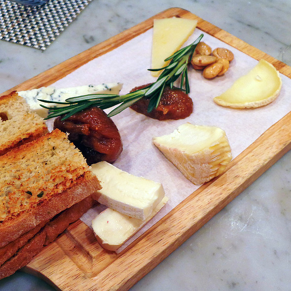Cheese Plate - FIG & OLIVE Uptown, New York, NY