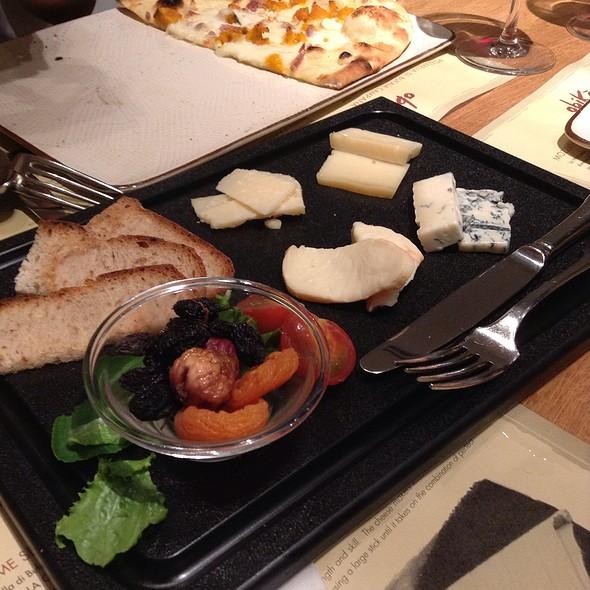 Cheese Plate - オービカ モッツァレラバー 六本木ヒルズ店, 港区, 東京都