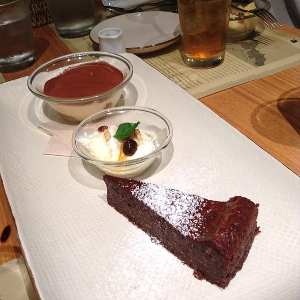 Desserts - オービカ モッツァレラバー 六本木ヒルズ店, 港区, 東京都