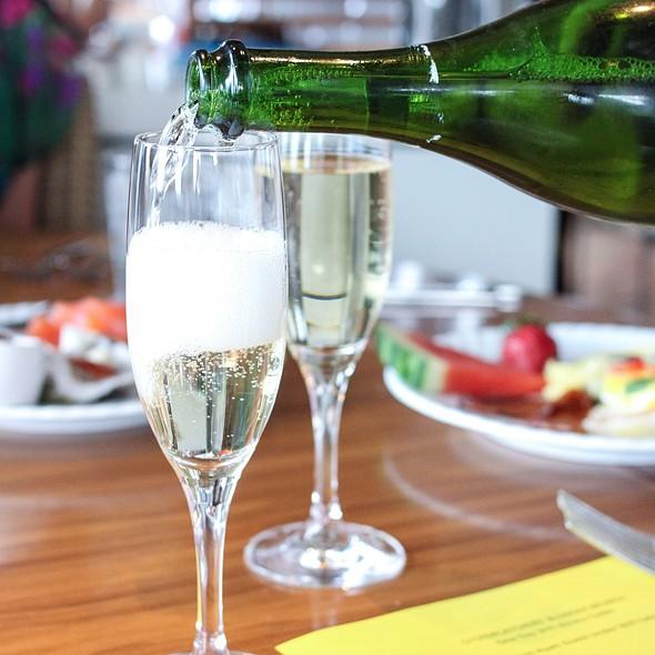Sparkling Wine - Oystercatchers, Tampa, FL