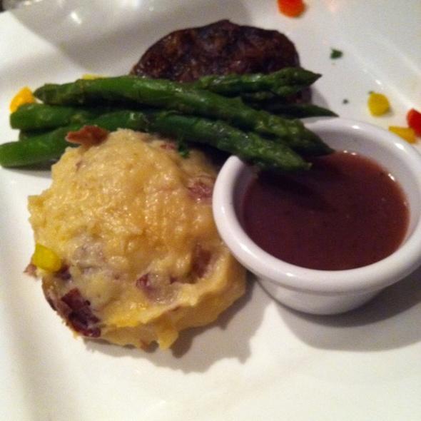 Petite Filet Mignon - Belford's Savannah, Savannah, GA