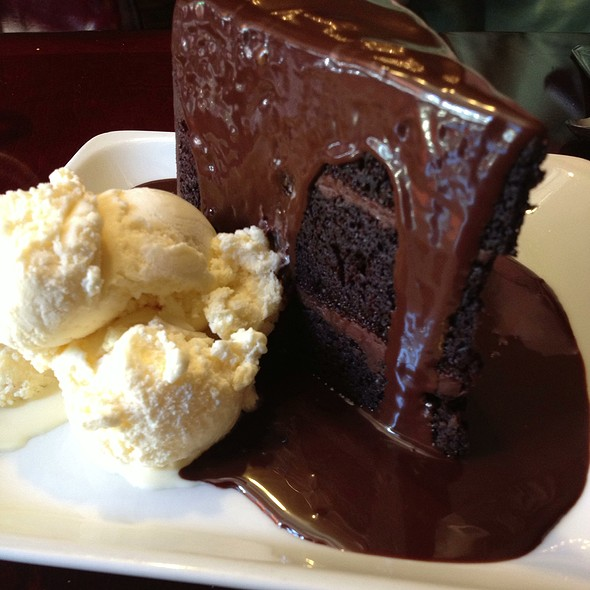 Old Fashioned Chocolate Fudge Cake - Shuckers, Seattle, WA
