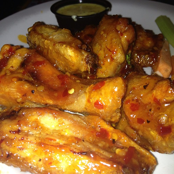 Hawaiian Chili Wings - Jimmy Buffett's Margaritaville - Niagara Falls, Niagara Falls, ON