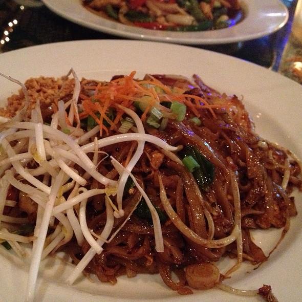 shrimp pad thai - Thai Thani - Orlando, Orlando, FL