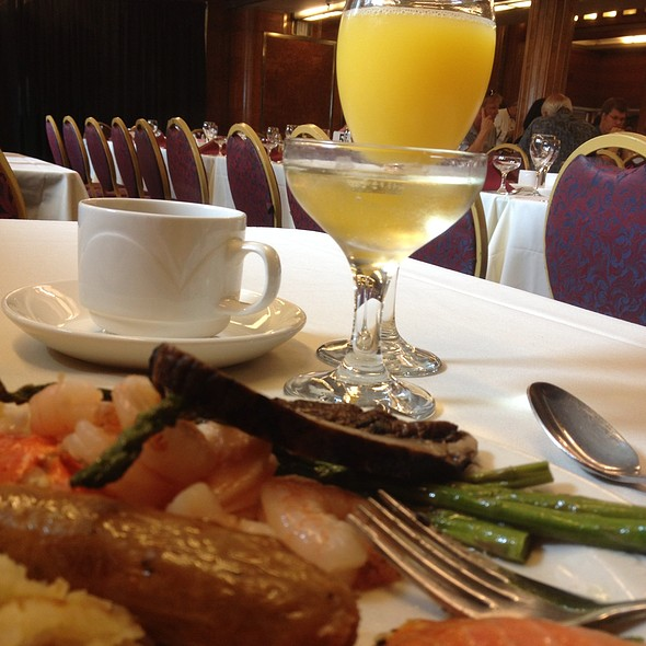 Queen mary champagne sunday brunch restaurant long beach for Table 52 brunch dress code