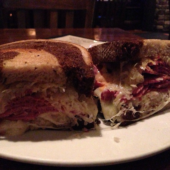 Farmer's Reuben - Ireland's Four Courts, Arlington, VA