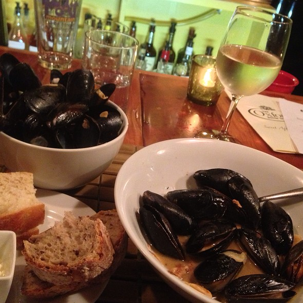 Mussels in garlic - The Oxford House Inn, Fryeburg, ME
