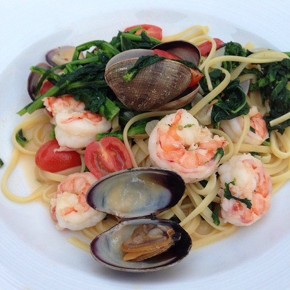 Linguini With Clams And Shrimp - Locale Cafe & Bar - Closter, Closter, NJ