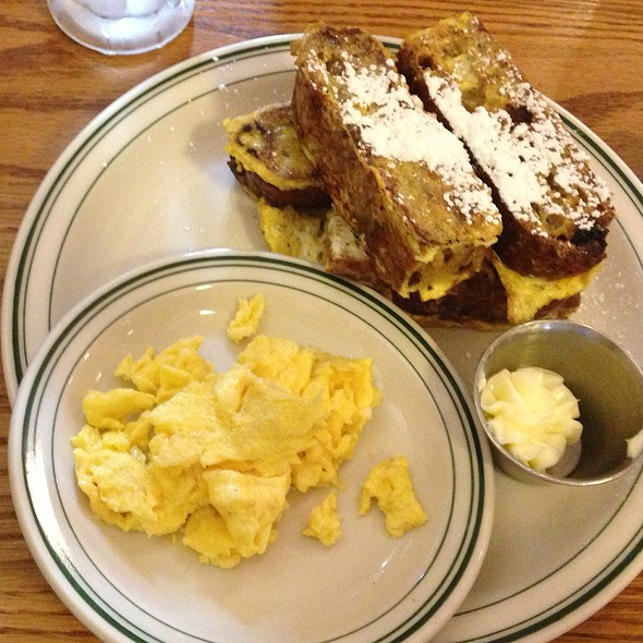 Apple Cinnamon French Toast - Market at Main, Lynchburg, VA