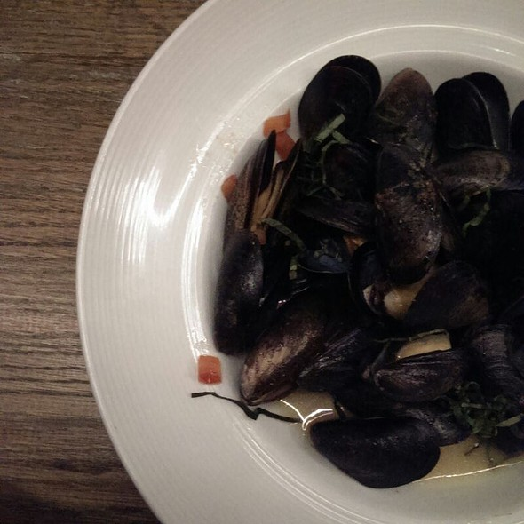 P.E. I Mussels - MoonShine - Modern Supper Club, Millburn, NJ