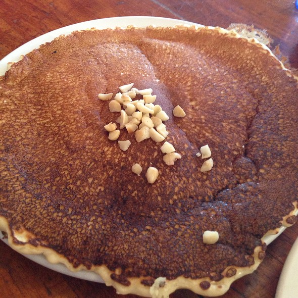 Macademia nut pancakes - Charley's Restaurant & Saloon, Paia, HI