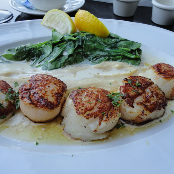Seared Sea Scallops with spinach, whipped cauliflower, brown butter - Mon Ami Gabi, Chicago, IL
