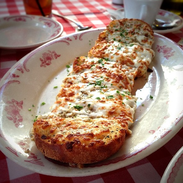 Garlic Bread with Cheese - Kenny's Italian Kitchen, Dallas, TX