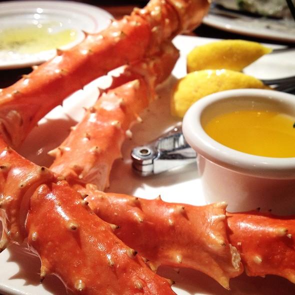 Alaskan King Crab Legs - Glacier BrewHouse, Anchorage, AK