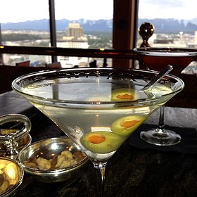 Permafrost vodka Martini - Crow's Nest - Hotel Captain Cook, Anchorage, AK