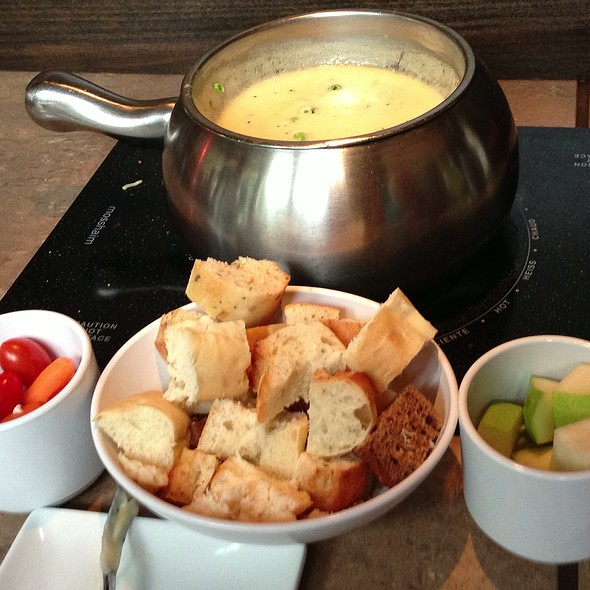 Wisconsin Trio Fondue - The Melting Pot - Reston, Reston, VA