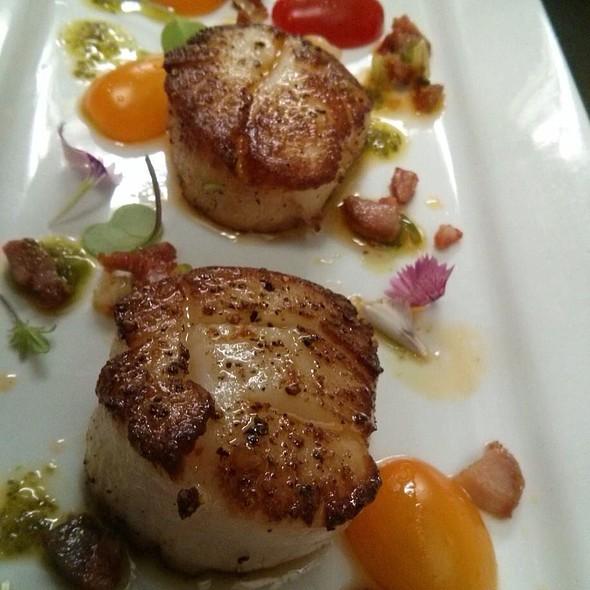 Scallops - Bistro Nolah, Dollard-Des-Ormeaux, QC