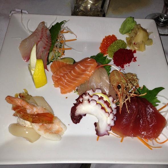 Sashimi Deluxe - 5 Palms Restaurant, Kihei, HI