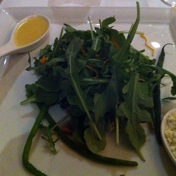 Victory Farms Organic Arugula Salad - Noble, Niagara-on-the-Lake, ON