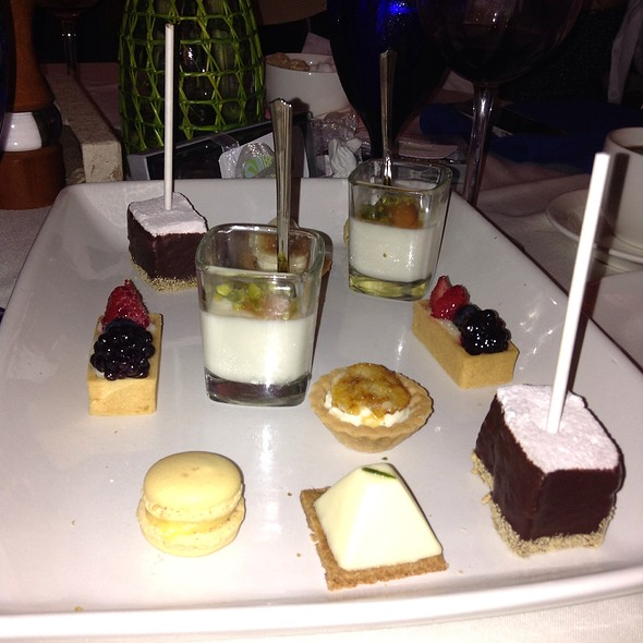 Dessert Sampler - Rats Restaurant - Grounds for Sculpture, Hamilton, NJ
