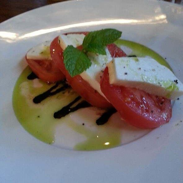 Caprese Salad - Arms Reach Bistro, North Vancouver, BC