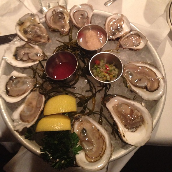 Assorted Oysters - London Lennies, Rego Park, NY