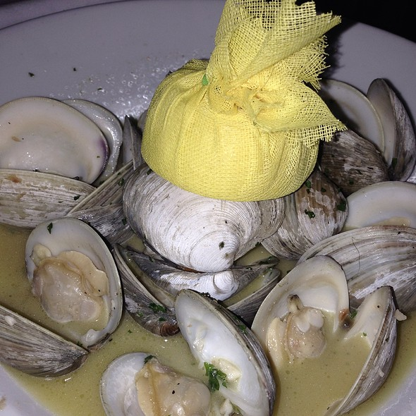 Clams - The Italian Barrel, New Orleans, LA
