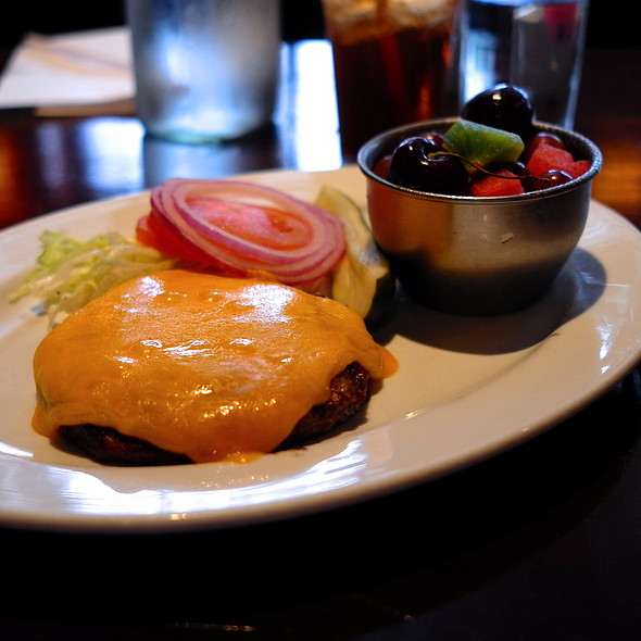 Bunless Cheeseburger - TWENTY6, La Quinta, CA