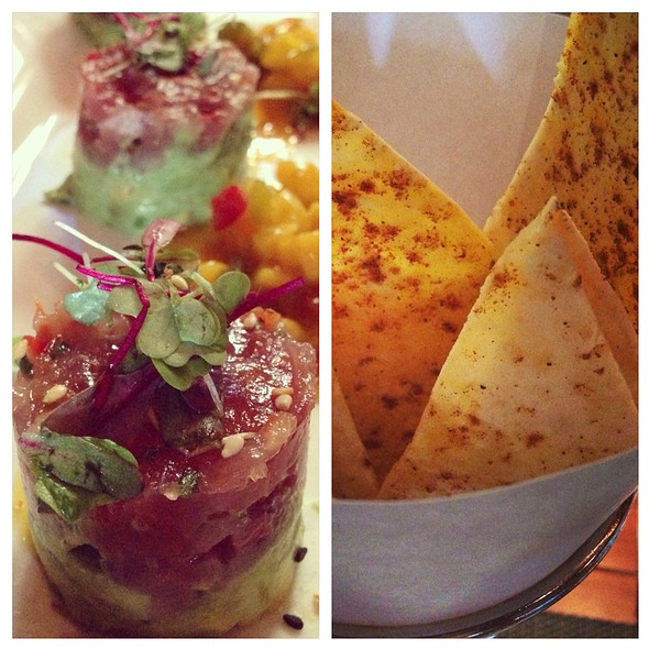 Tuna Tartare & Curried Lavash - Seasons 52 - Boca Raton, Boca Raton, FL