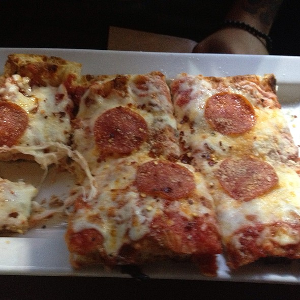 Pepperoni and Roasted Garlic Pizza - Feile, New York, NY