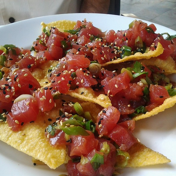 Spicy Tuna Chips - Latitudes Restaurant & Bar, Hollywood, FL