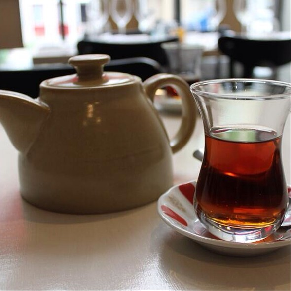 Turkish Tea - Restaurant Su, Verdun, QC