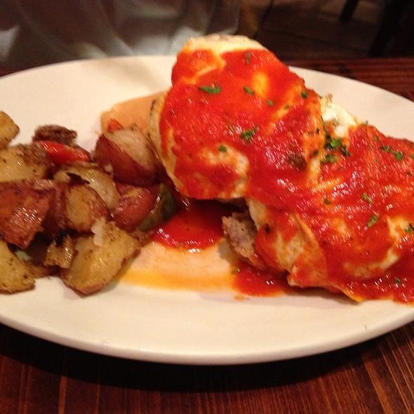 Roe's Breakfast - Red Gravy, New Orleans, LA