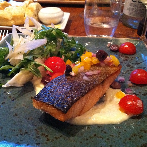 Salmon With Virgin Sauce (Yes, Virgin?) And Fennel Salad - Decca 77, Montréal, QC