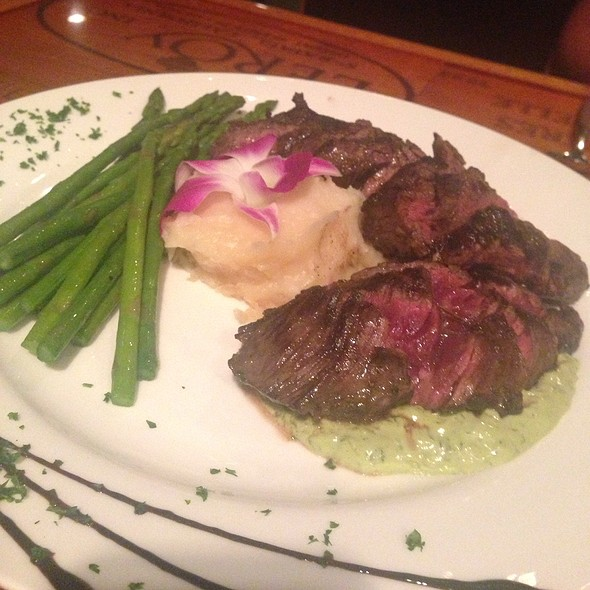 Hanger Steak - Dusty's Wine Bar, Okemos, MI