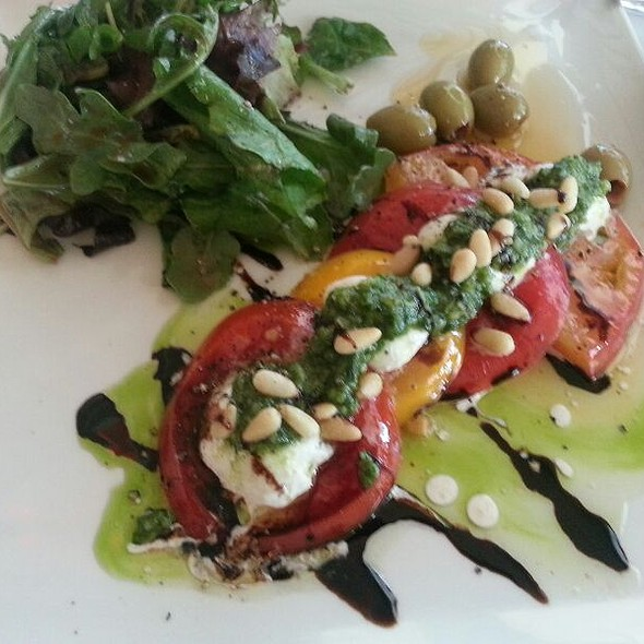 Heirloom Tomato Salsd - 19 Kitchen & Bar - Harvey's Lake Tahoe, Stateline, NV