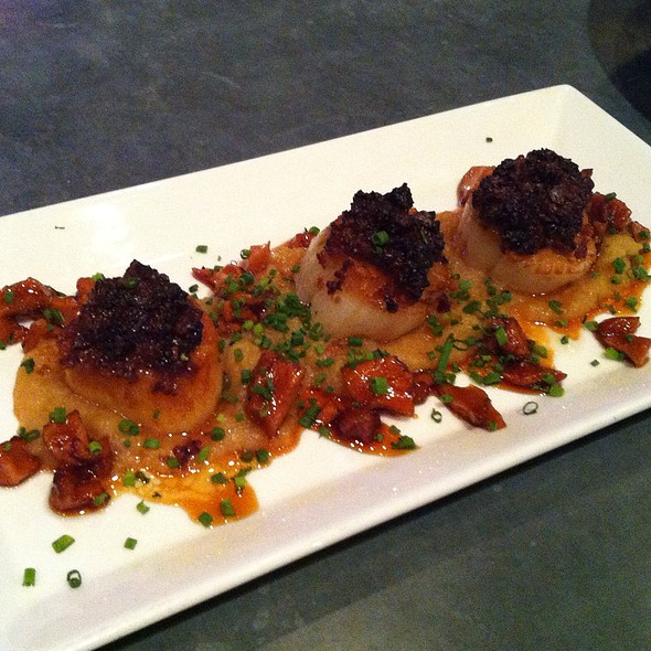 Honey Scallops With Bacon And Apple Polenta - Phillips Seafood, Baltimore, MD
