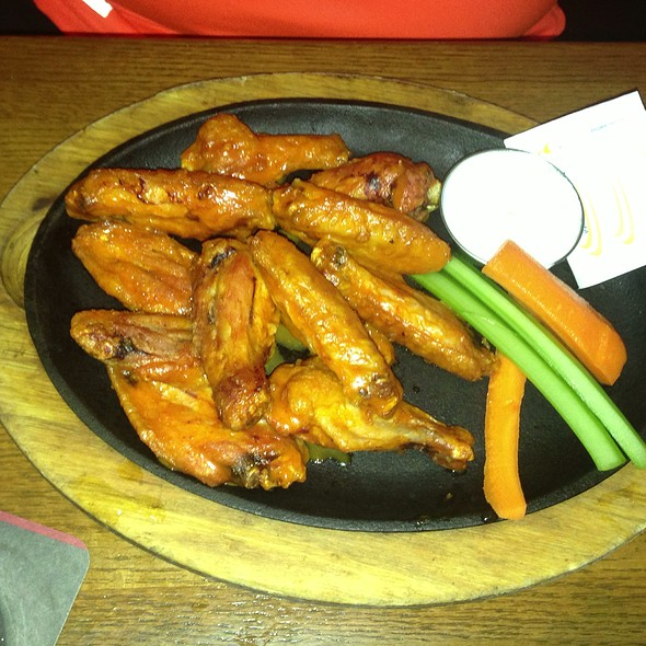 Chicken Wings - Rock Bottom Brewery Restaurant - Yorktown, Lombard, IL