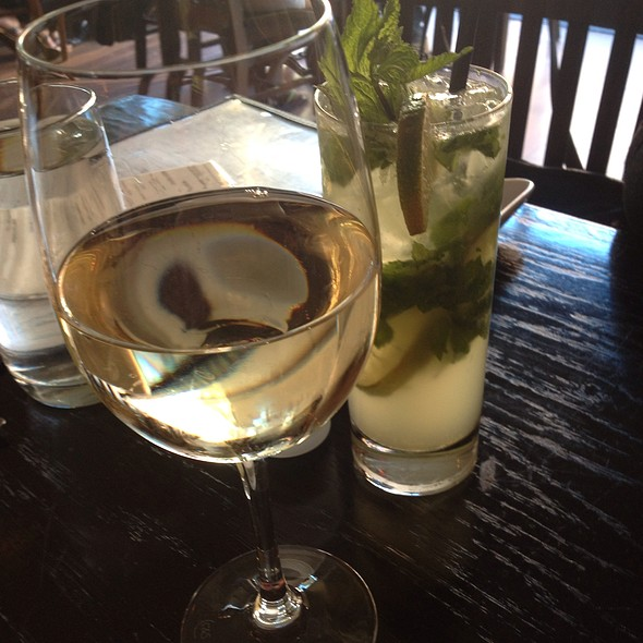 Pinot Grigio And Mojito - Verde on Smith, New York, NY